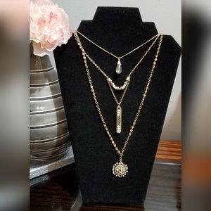 Stony necklace